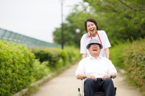 介護福祉士と高齢者